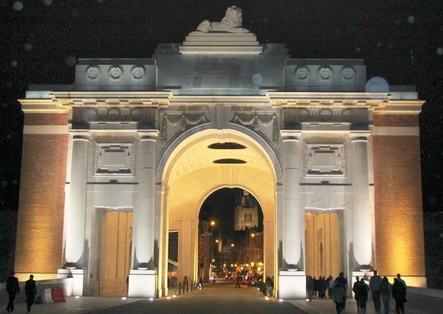01 The Menin Gate at night