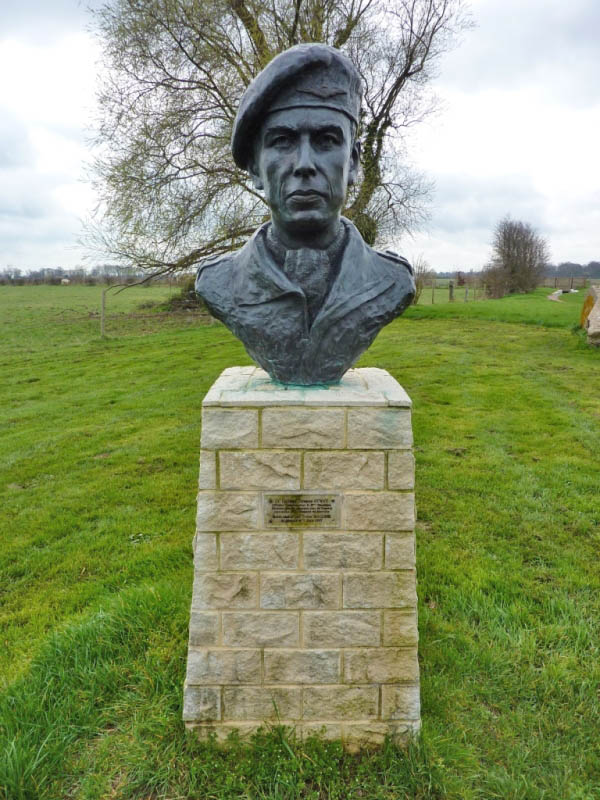 04 Bust of Lt Col Terrence Ottway at Merville Gun Battery