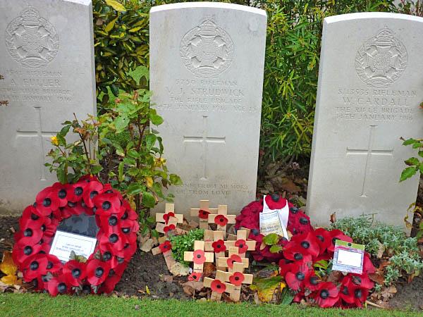 07 Grave of V J Strudwick - Age 15