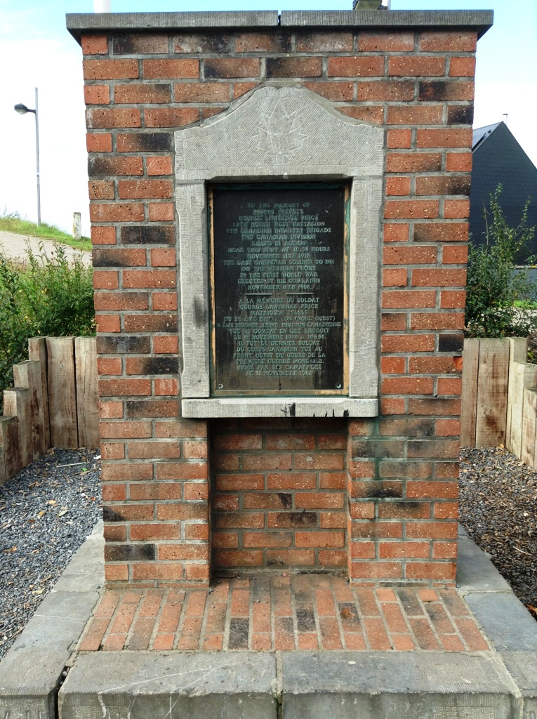 09 Memorial to George Lawrence Price, last Commonwealth soldier killed in WWI (11.58am 11.11.18)