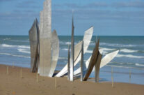Les Braves Monument Omaha Beach – Normandy and D-Day Landings Tours