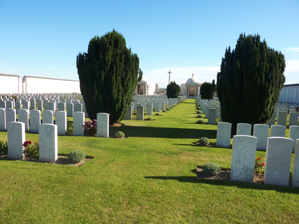 2 Dud Corner Cemetery and Loos Memorial