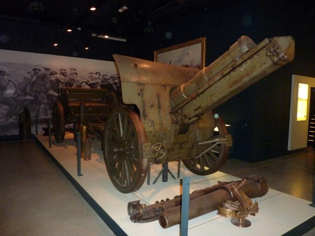21 British Howitzer in the  Passchendaele Museum