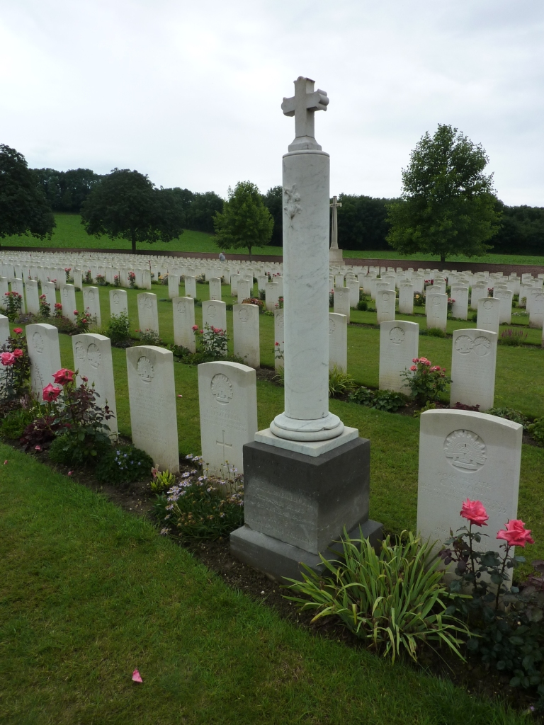 10 Private memorial at Heilly Station Cemetery