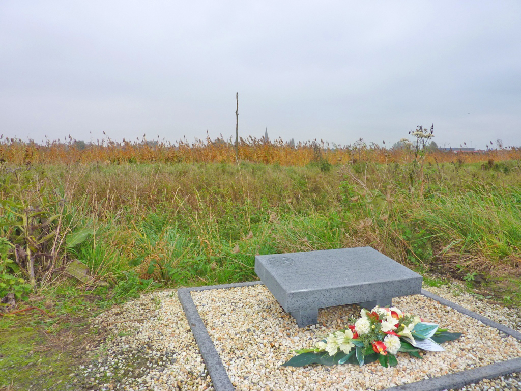 18. Harry Patch Memorial on the banks of the Steenbeck
