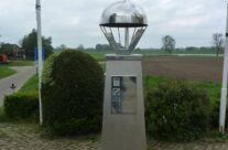 Memorial at Warve Bridge – Arnhem Battlefield Tour
