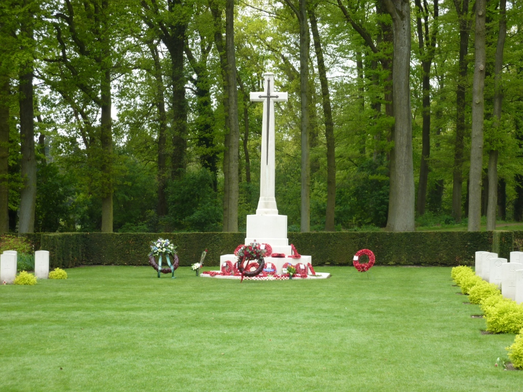 29. Cross of Sacrifice in Oosterbeek War Cemetery