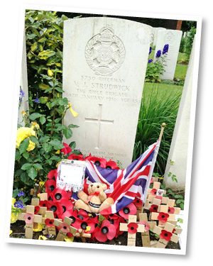 Essex-Farm---Valentine-Strudwick's-grave-(pic-3)-cropped