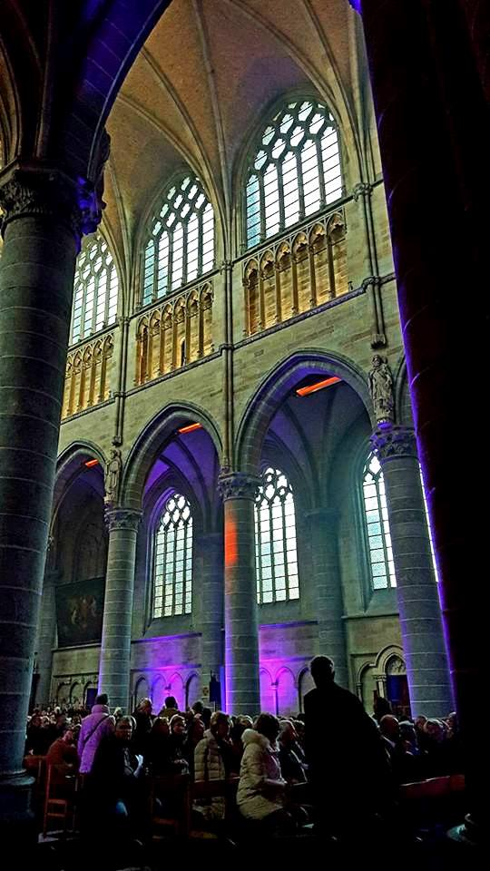 11-inside-st-martins-cathedral-ypres-people-gather-for-the-great-war-remembered-concert-on-armistice-day