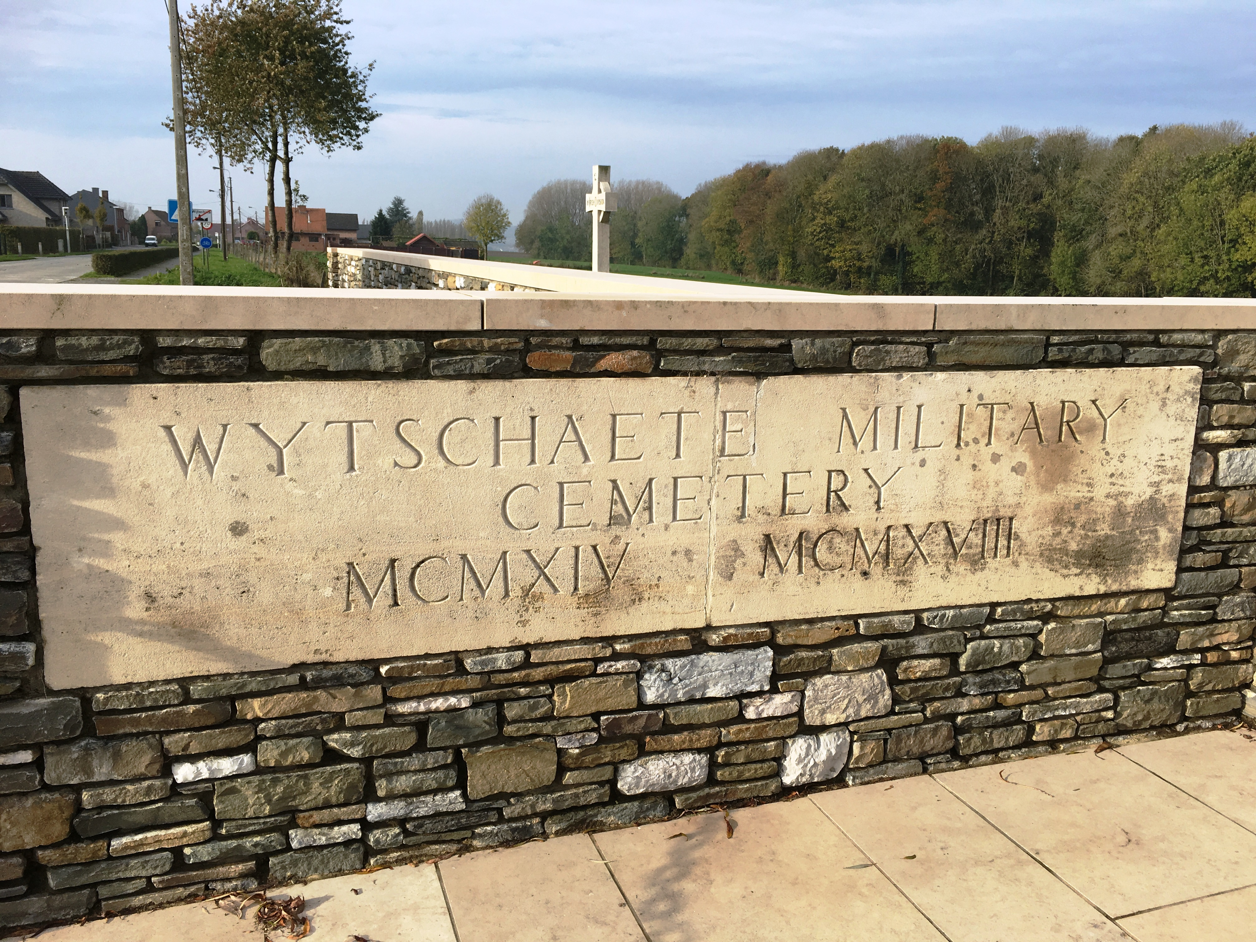 17-wytschaete-military-cemetery-ypres-salient