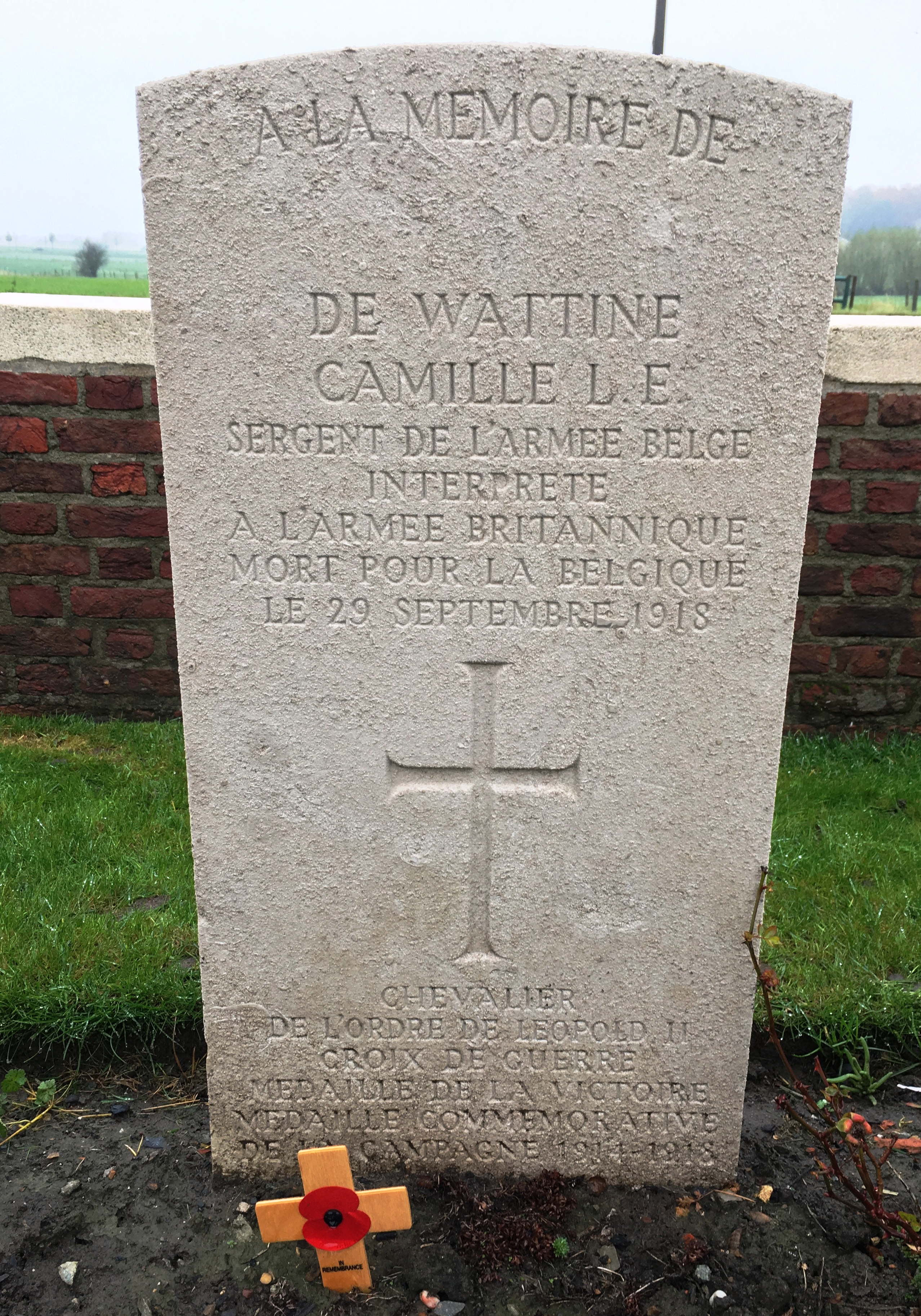38-the-headstone-of-a-french-interpreter-at-birr-cross-cemetery-ypres-salient