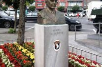 McAuliffe Bust at McAuliffe Square, Bastogne – Easy Company Private Battlefield Tour