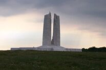 The Vimy Memorial, Vimy Ridge – Etaples and Somme WW1 Battlefield Tour