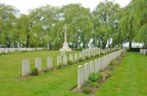 Le Trou Aid Post Cemetery, Fromelles – Somme and Ypres Battlefield Tour