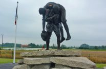 Cobbers Sculpture at the Australian Memorial Park Fromelles – Somme and Ypres Battlefield Tour