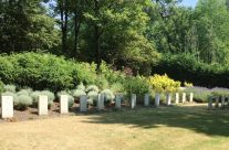 Chinese and Indian burials at Etaples Military Cemetery – Etaples and Somme WW1 Battlefield Tour