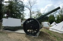 WW1 British Howitzer on display in the grounds of the Passchendaele Museum – Passchendaele Anniversary Remembrance Battlefield Tour