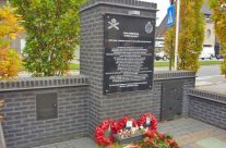Ypres Salient Tank Memorial at Poelkapelle – Somme and Ypres Battlefield Tour