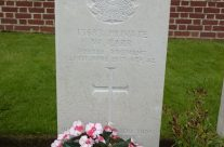 Private W Carr's grave, Grevillers British Cemetery – Somme Battlefield Tour