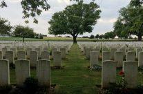 Warlencourt British Cemetery – Etaples and Somme WW1 Battlefield Tour