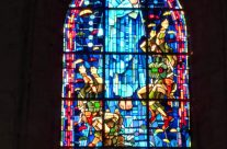 Stained glass window depicting Para Troopers, Ste Mère Eglise Church – Normandy and D-Day Landings Tours
